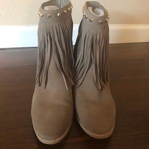 Michael Kors Fringe tan boots